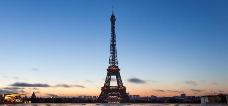 París anuncia planes para nuevo parque en la Torre Eiffel